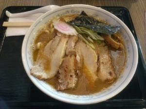 DSC 1131 300x225 マニラに出来たつけ麺屋、三ツ矢堂製麺に行ってきた