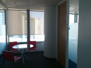 DSC 1781 300x225 マニラでこれからビジネスを始めたい人のためのレンタルオフィス