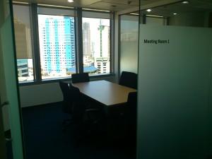 DSC 1782 300x225 マニラでこれからビジネスを始めたい人のためのレンタルオフィス