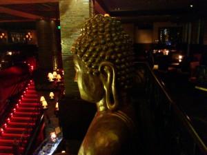 DSC 1839 300x225 マニラにあるちょっと変わったバー buddha bar