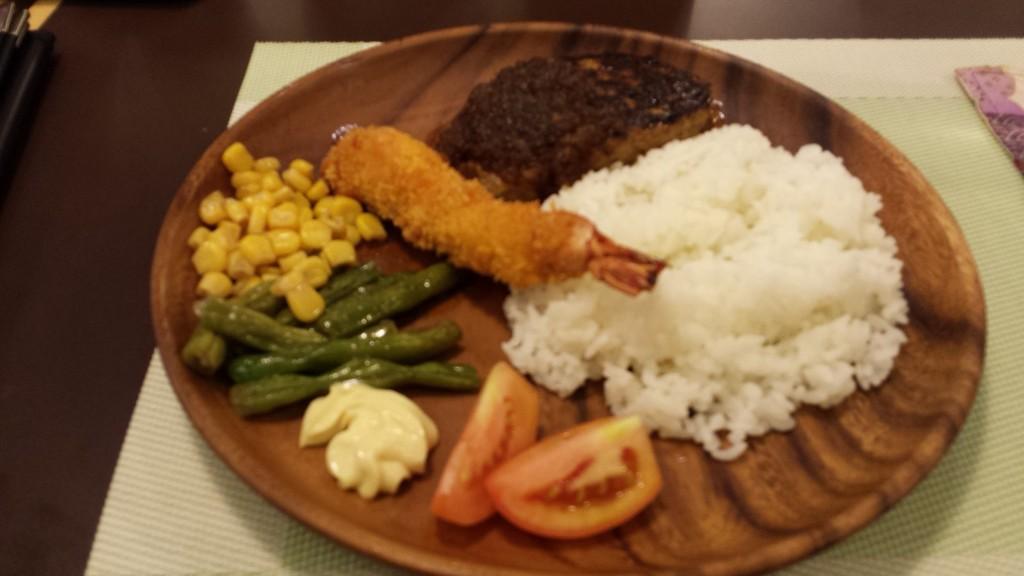 20130804 204131 1024x576 ハンバーグ定食をフィリピンに広める! ARAFU CAFE 2号店 in SM North