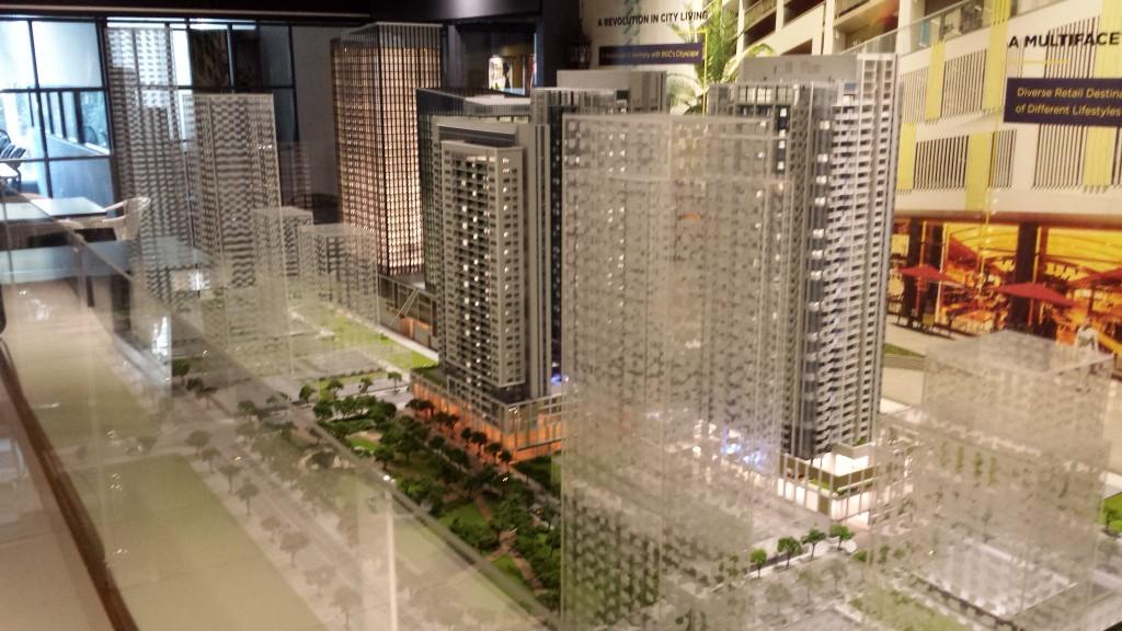 20131110 162010 1024x576 マニラの高級不動産(投資、居住用)を見てきた