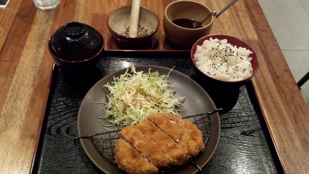20131204 215701 1024x576 マニラのとんかつ屋 Katsu cafeに行ってきた