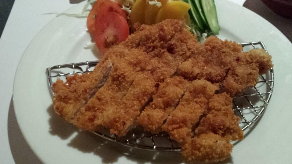 20131208 205811 1024x576 マニラのBonifacio Global City にあるKatsuという日本食レストランに行ってみたが・・・