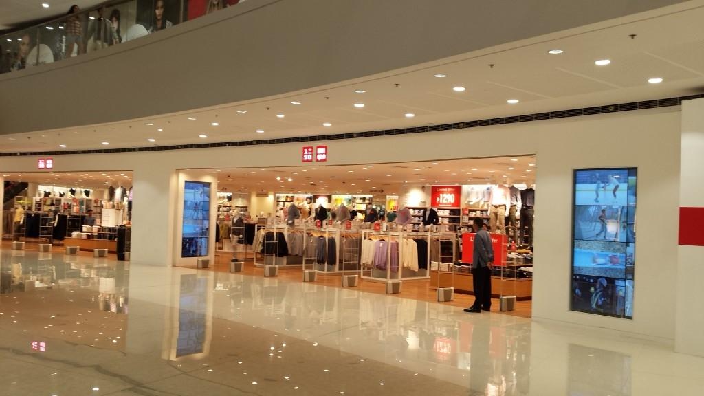 20140128 201525 1024x576 マニラのSM MegamallにMega Fashion Hallがオープンしたので行ってきた