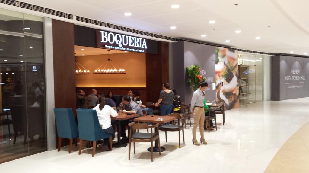 20140128 201831 1024x576 マニラのSM MegamallにMega Fashion Hallがオープンしたので行ってきた