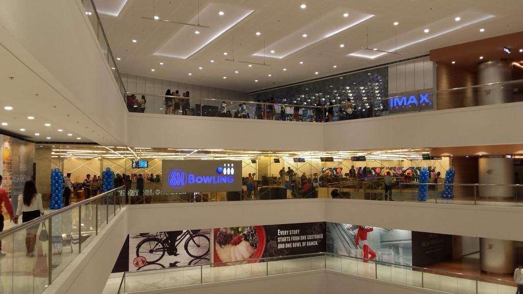 20140128 202123 1024x576 マニラのSM MegamallにMega Fashion Hallがオープンしたので行ってきた