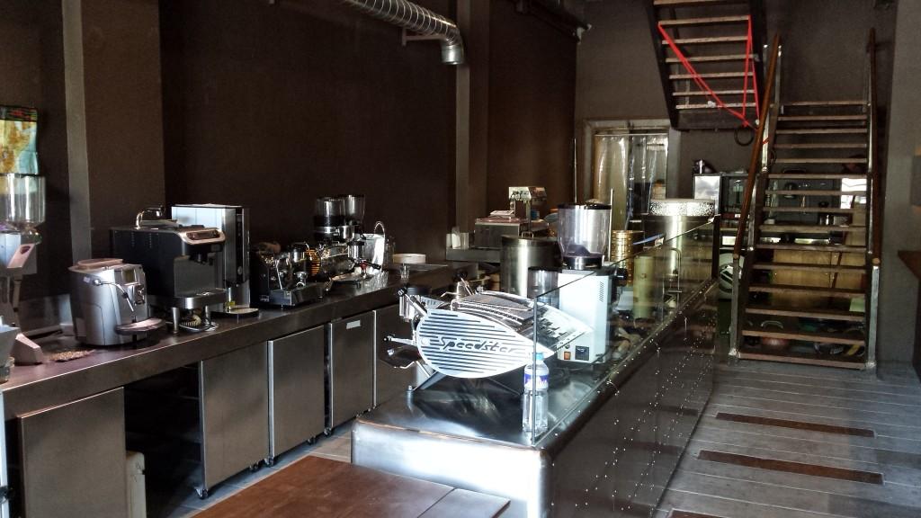20140427 150939 1024x576 第三のコーヒー、フィリピン産オリジナルカクテルを広める!EDSA Beverages Design Groupに行ってきた