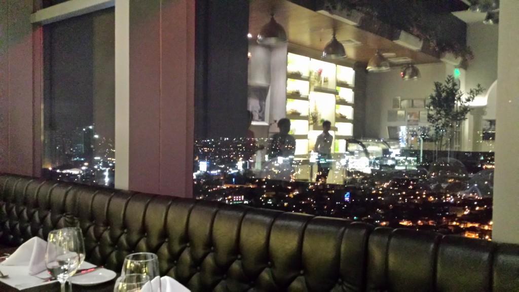 20140621 192357 1024x576 マニラの眺めのいい場所で美味しいワインとフレンチなら Le Jardin がオススメ