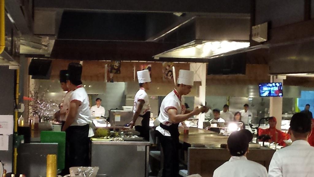 20140622 204356 1024x576 怪しい日本食バイキングレストランを発見したので行ってきた