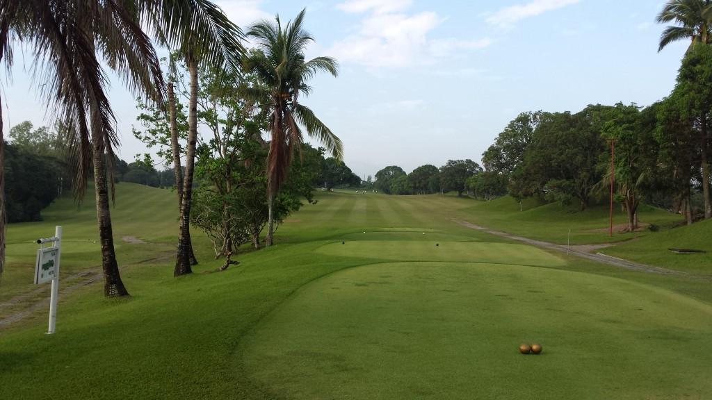 20140816 071129 1024x576 フィリピンはスループレーでキャディ付!マニラのKC Filipinasに行ってゴルフしてきた