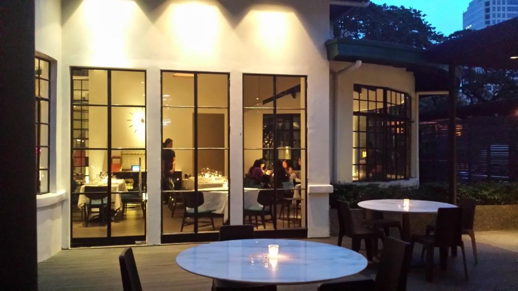 20140817 182940 1024x576 Ayalaトライアングルにある雰囲気のいいレストラン Blackbird に行ってきた!