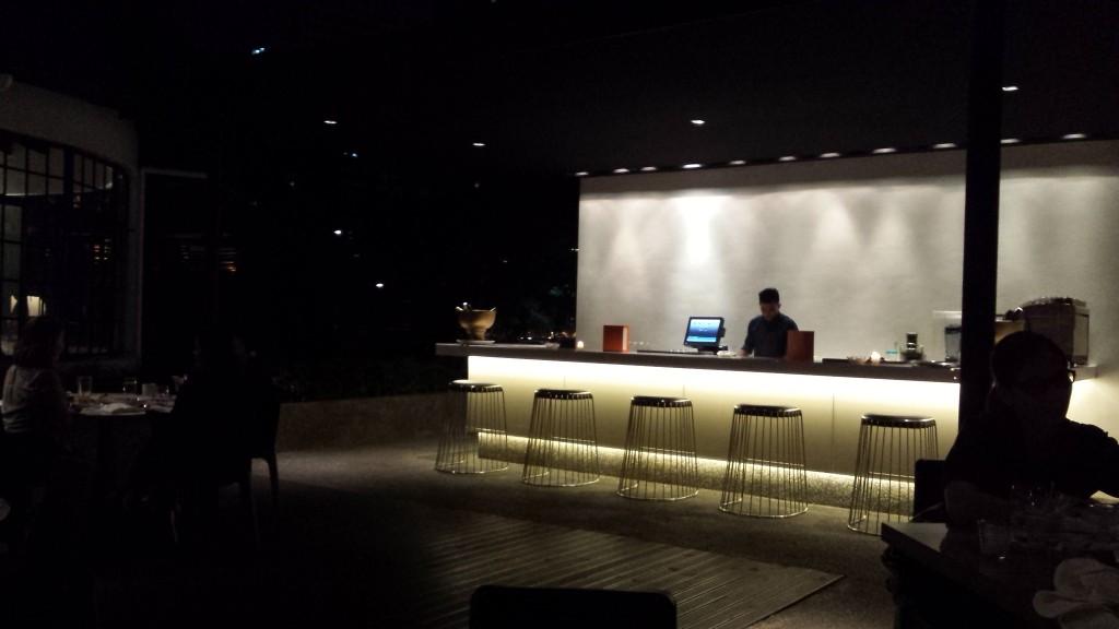 20140817 212513 1024x576 Ayalaトライアングルにある雰囲気のいいレストラン Blackbird に行ってきた!