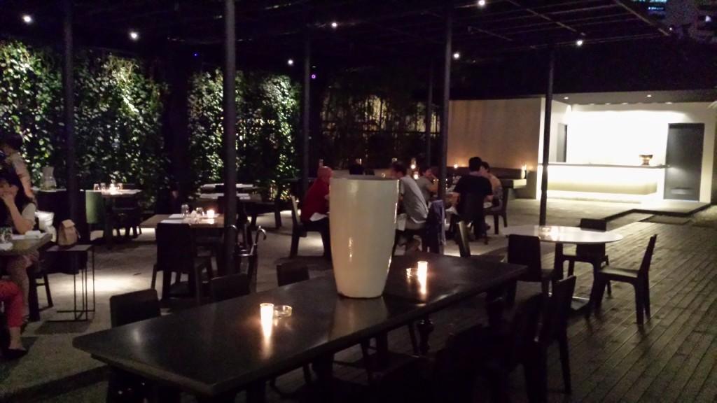 20140817 212910 1024x576 Ayalaトライアングルにある雰囲気のいいレストラン Blackbird に行ってきた!