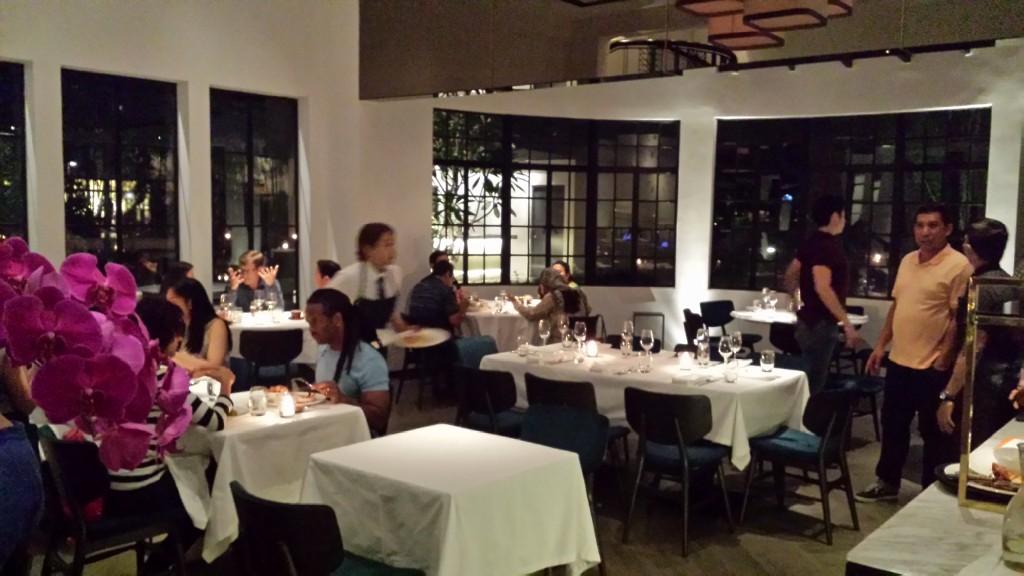 20140817 212935 1024x576 Ayalaトライアングルにある雰囲気のいいレストラン Blackbird に行ってきた!