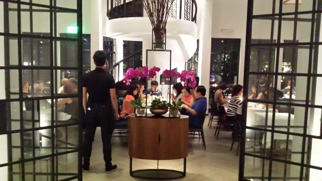 20140817 212945 1024x576 Ayalaトライアングルにある雰囲気のいいレストラン Blackbird に行ってきた!