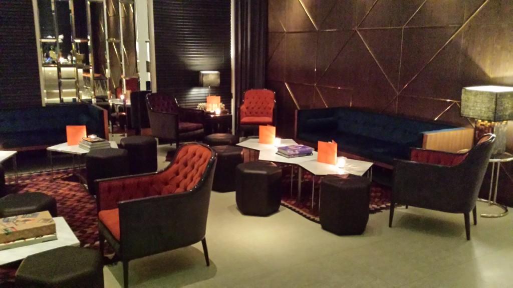 20140817 213002 1024x576 Ayalaトライアングルにある雰囲気のいいレストラン Blackbird に行ってきた!