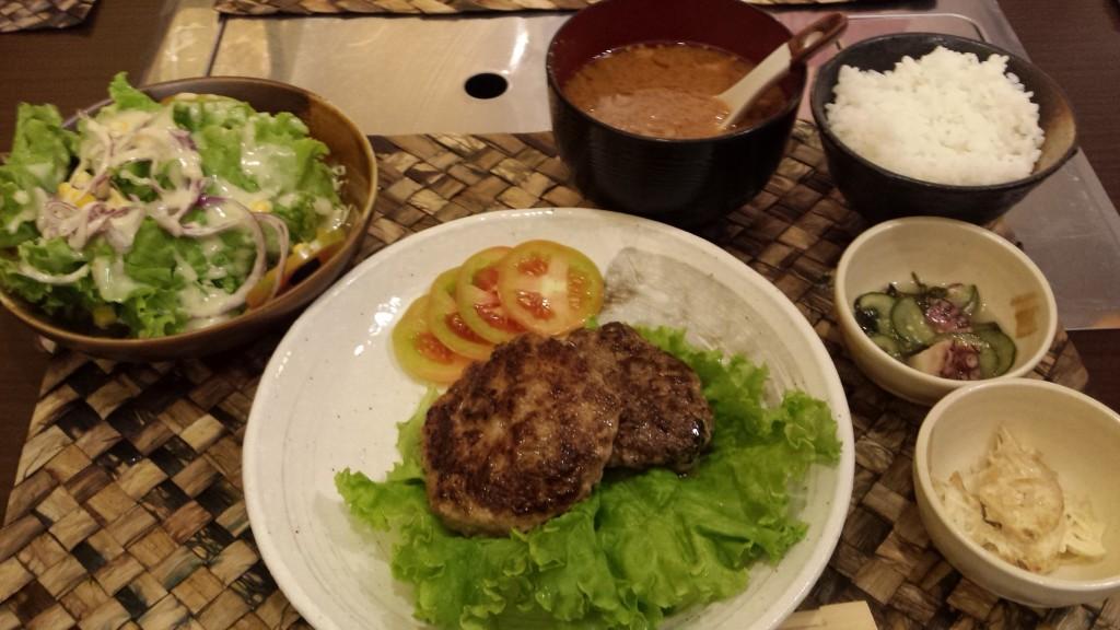 20141118 210311 1024x576 Megamall にオープンした日本食レストラン魯山人 ROSANJIN に行ってきた