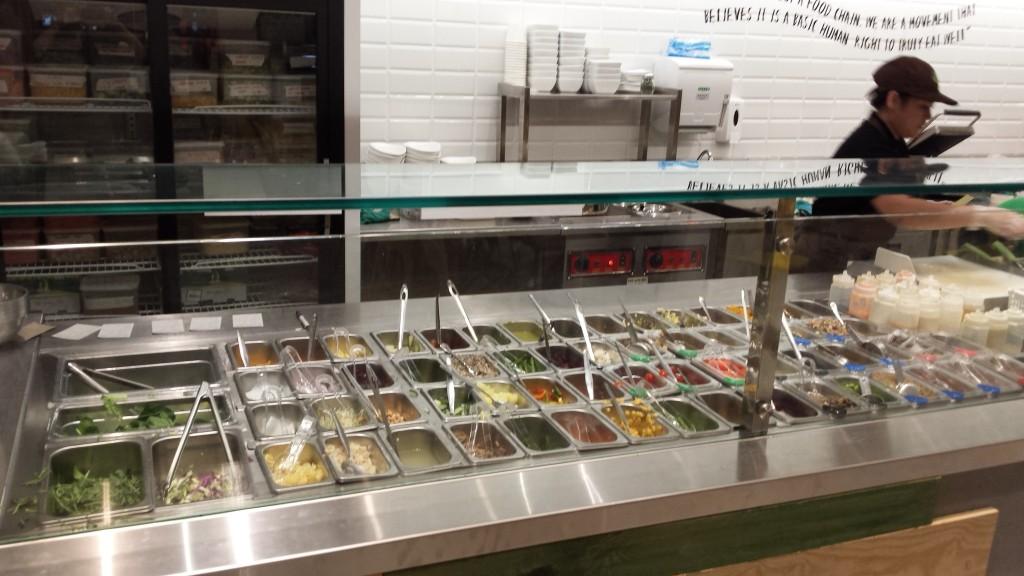 20150208 181510 1024x576 Salad Stop:Bonifacioで野菜サラダが食べられるお店